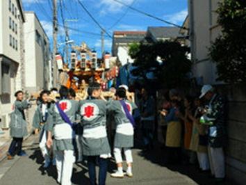 雪ヶ谷八幡神社大祭 東雪自治会の宮出し